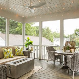 Inspiration för klassiska innätade verandor, med trädäck och takförlängning