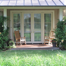 Transitional Porch by New Canaan Landscaping Inc.