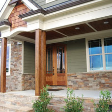 Craftsman Porch by Satterwhite Construction Inc.