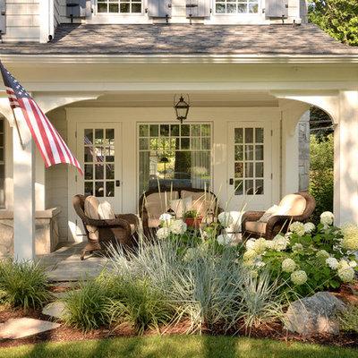 Elegant front porch photo in Chicago
