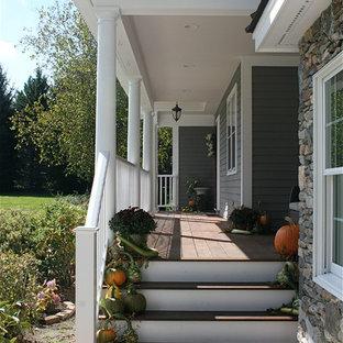 Foto di un portico classico davanti casa
