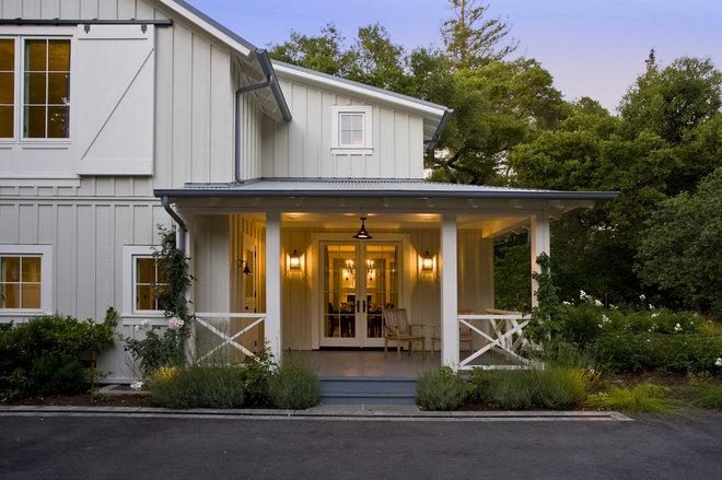 Farmhouse Porch by Arcanum Architecture