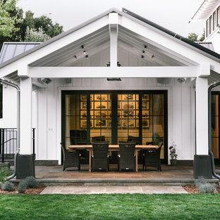 Country porch idea in San Francisco