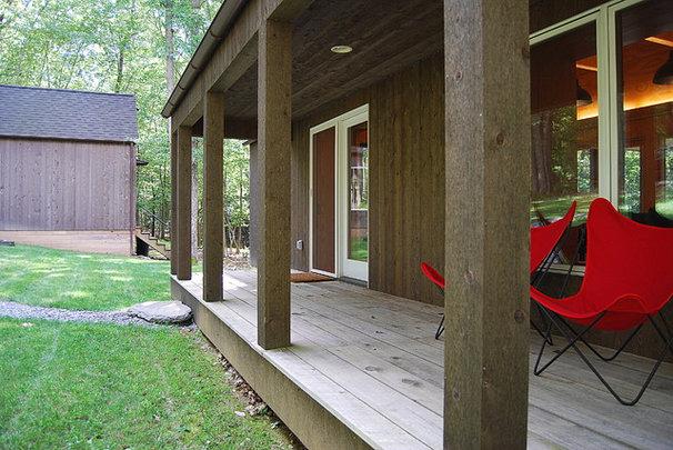 Contemporary Porch by Ricchetti Builders, Inc.