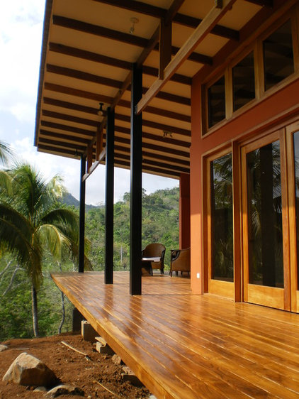 Tropical Porch by Fivedot Design Build