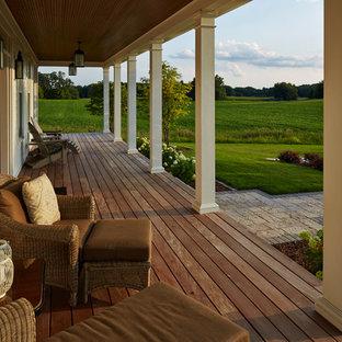 Foto di un portico country con pedane
