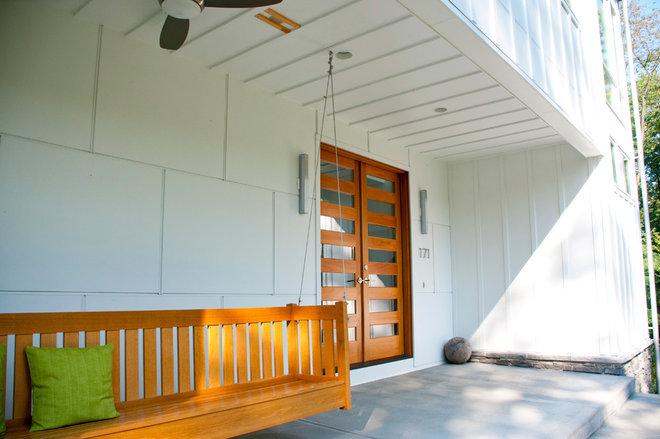 Farmhouse Porch by lee CALISTI architecture+design