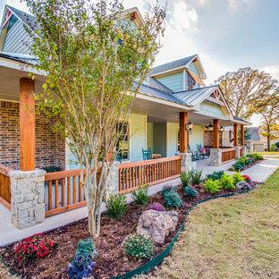 Cottage porch idea in Oklahoma City