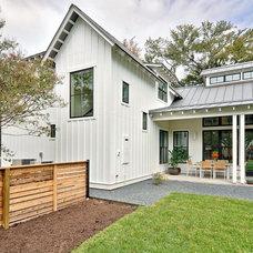 Farmhouse Porch by Redbud Custom Homes