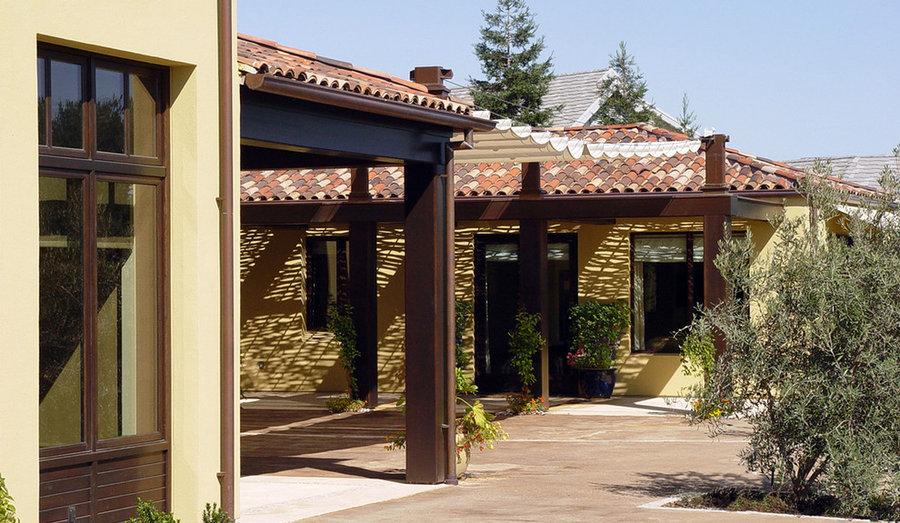 Modern Mediterranean Residence