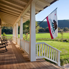 Farmhouse Porch by Tom Meaney Architect, AIA
