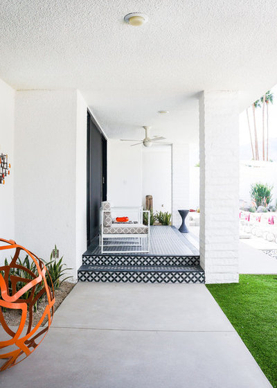 Midcentury Porch by STRUKTR Studios Photography