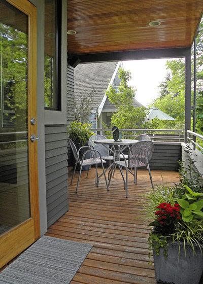 Craftsman Porch by Sarah Greenman