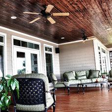 Traditional Porch by Tab Premium Built Homes