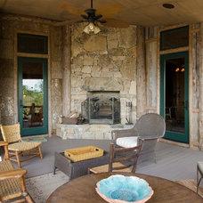 Rustic Porch by Matheny Goldmon Architects
