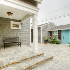 traditional porch by Sea Pointe Construction