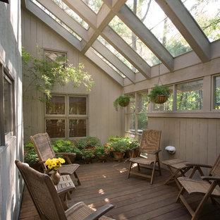 Classic veranda in Charleston with decking.