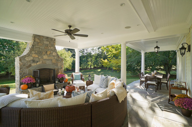 Traditional Porch by Gallagher Homburg & Gonzalez Architects PLLC