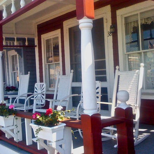 Cottage chic porch photo in Boston