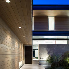Modern Entry by Campos Leckie Studio