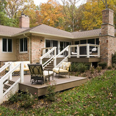 Traditional Porch by Heltzelhaus Inc.