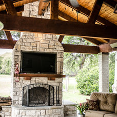 Traditional Porch by Kitty Raulston-Thomas Interior Designs