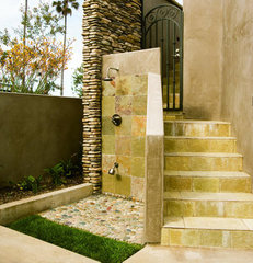 mediterranean porch Outdoor Shower