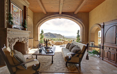Houzz Tour: Only the Best for a Desert Spanish Colonial