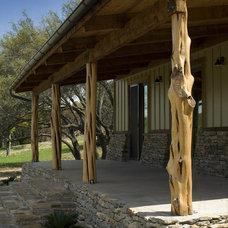 Rustic Porch by DK Studio