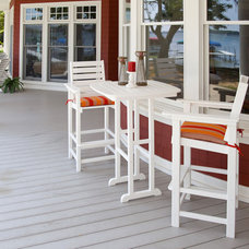Traditional Porch by VERMONT WOODS STUDIOS
