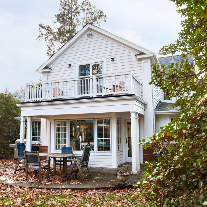 Inspiration for a timeless porch remodel in DC Metro