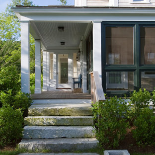 Inspiration for a timeless front porch remodel in Boston