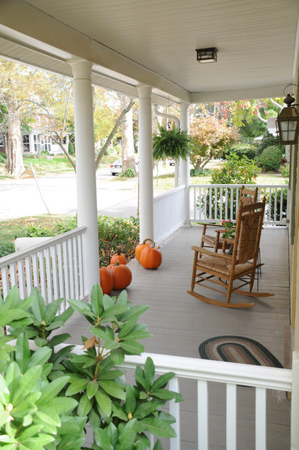 Traditional Porch by Pine Street Carpenters & The Kitchen Studio