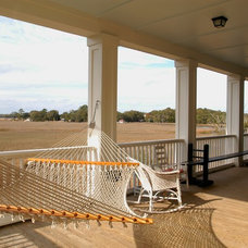 Traditional Porch by Architrave