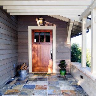 Immagine di un portico american style con una pergola