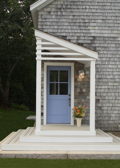 Traditional Porch by Taggart Construction