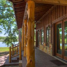Rustic Porch by Ellis Custom Homes LLC