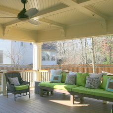 Traditional Porch by Sonny Wiehe, President, Vice Versa Builders