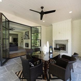 Idee per un ampio patio o portico chic
