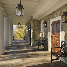 Traditional Porch by Glave & Holmes Architecture