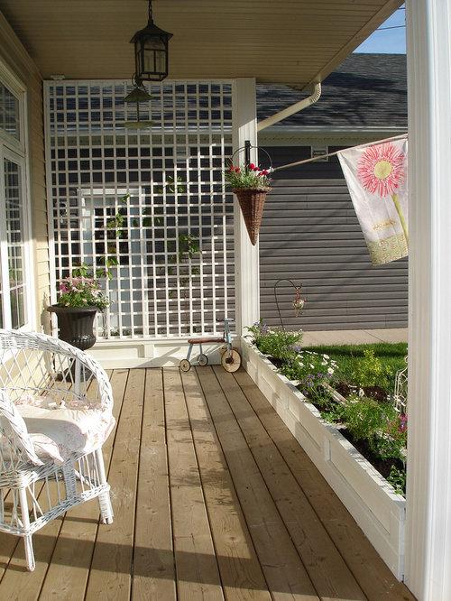 Lattice privacy fence houzz for Deck privacy ideas lattice