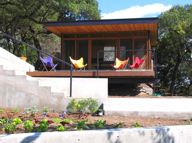 Modern Porch by Tom Hurt Architecture