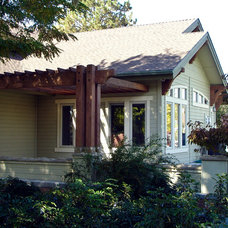 Traditional Porch by Gravitas, Inc.