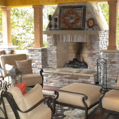 traditional porch Rustic outdoor room