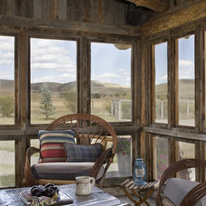 rustic porch by Design Associates - Lynette Zambon, Carol Merica