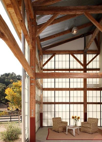Farmhouse Porch by Studio Carver Architects, Inc.