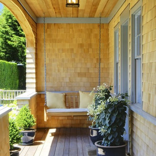 Inspiration for a victorian front porch remodel in Boston