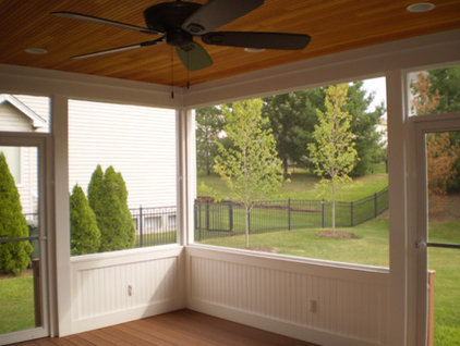 Traditional Porch by Heartlands Building Company