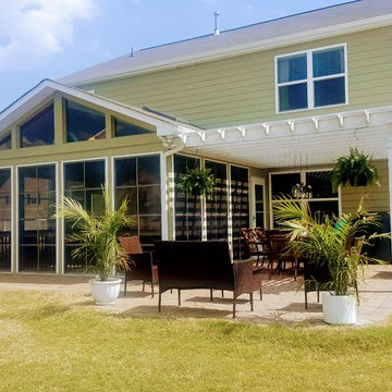 Screened Porch with attached pergola