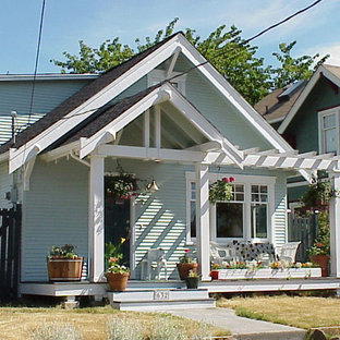 Arts and crafts porch idea in Seattle